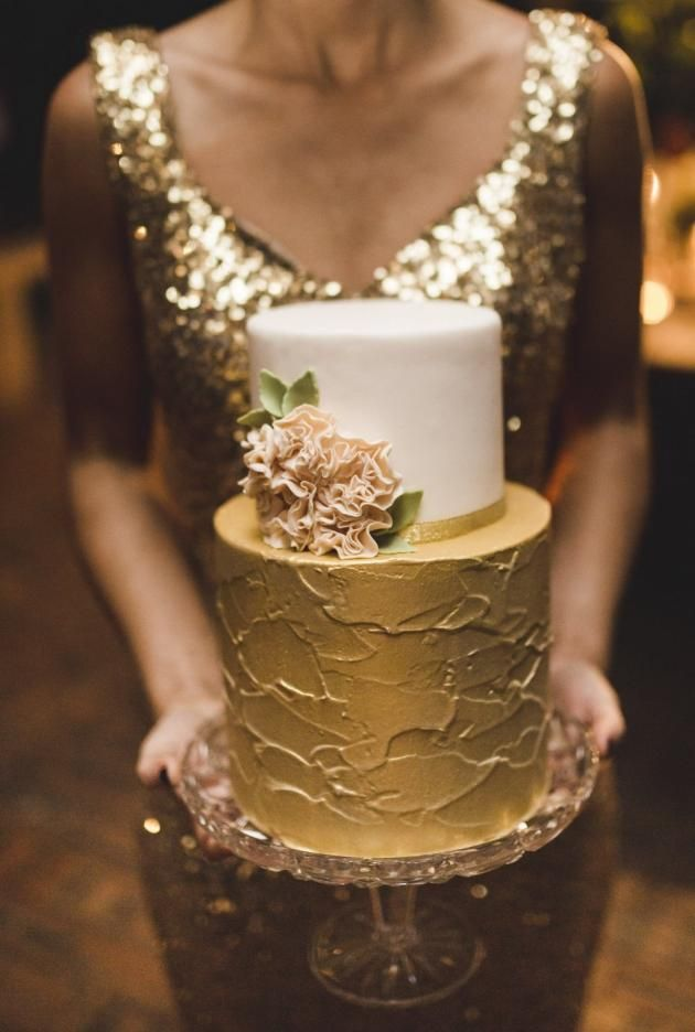 Cake Gold Red  Tier